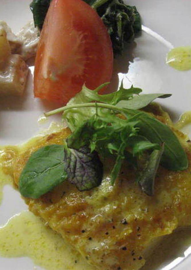 白身魚のムニエル カレーソース
