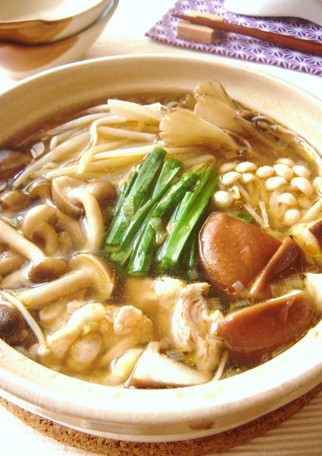 スープが美味しいきのこ鍋