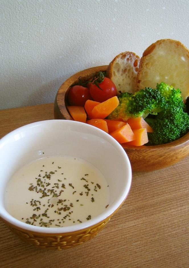 サラダに クリームチーズソース
