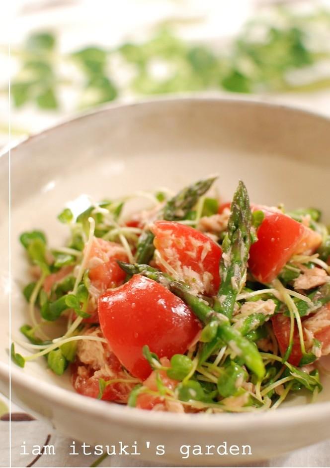 アスパラガスとトマトのツナサラダ