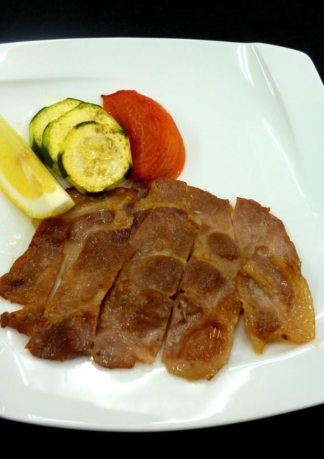 豚肉の塩麹ガーリック焼き