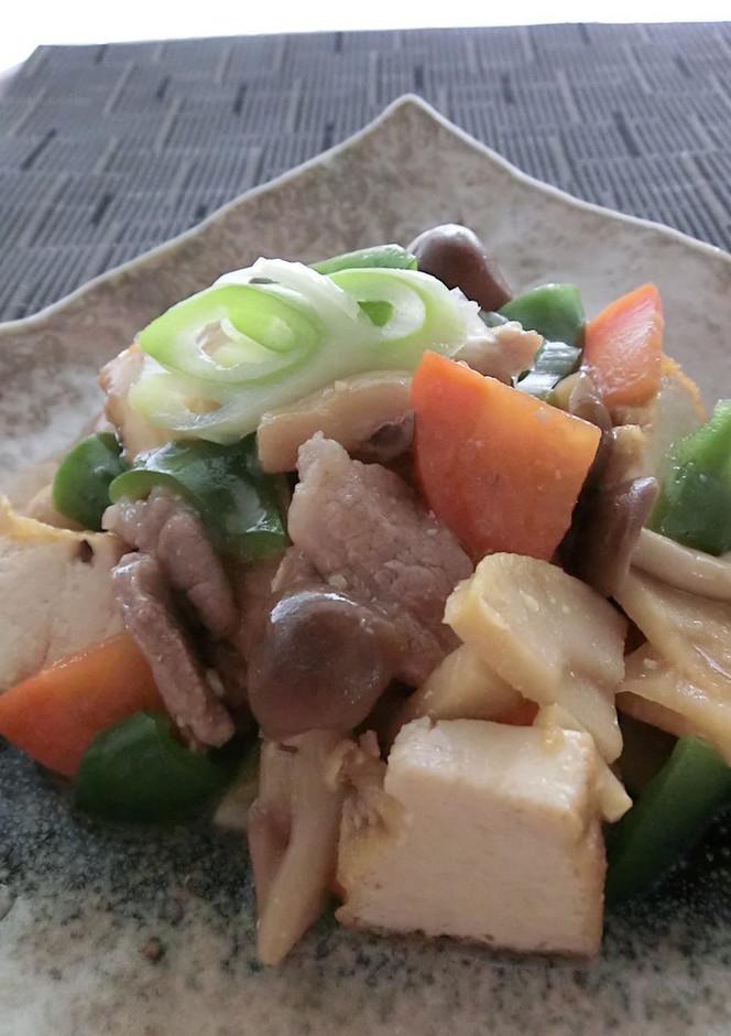 家常豆腐(チャアチャントウフ)