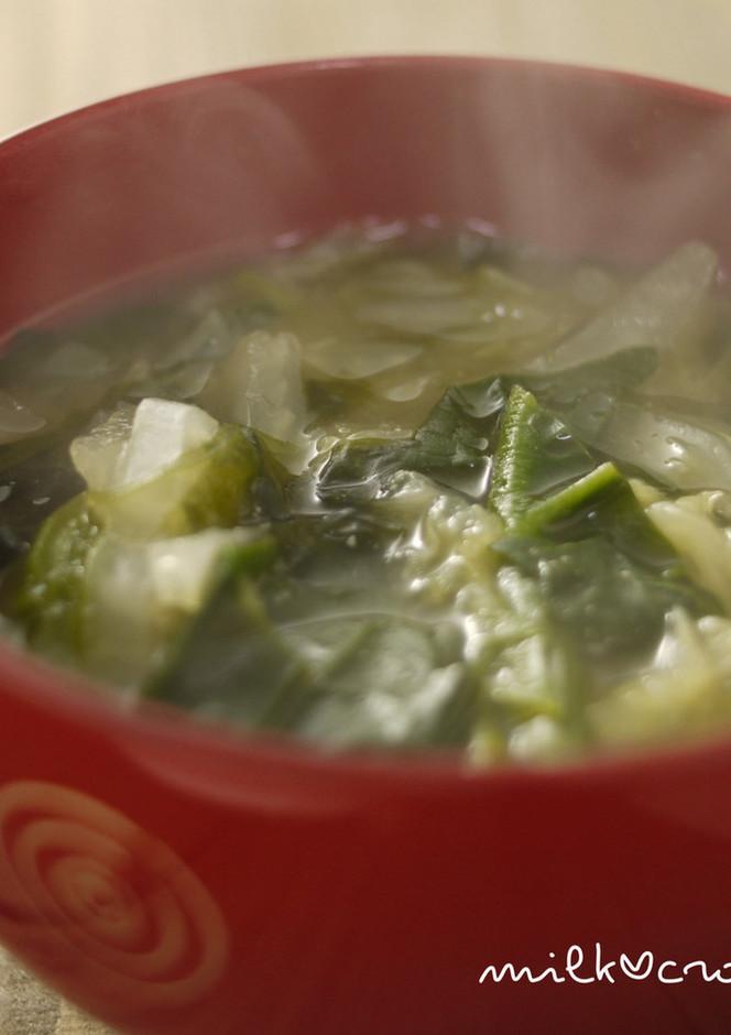 ほうれん草と白菜の味噌汁