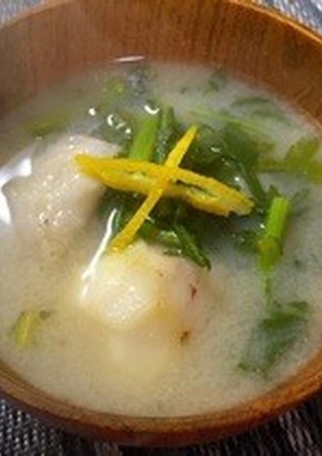 里芋と春菊の白味噌汁