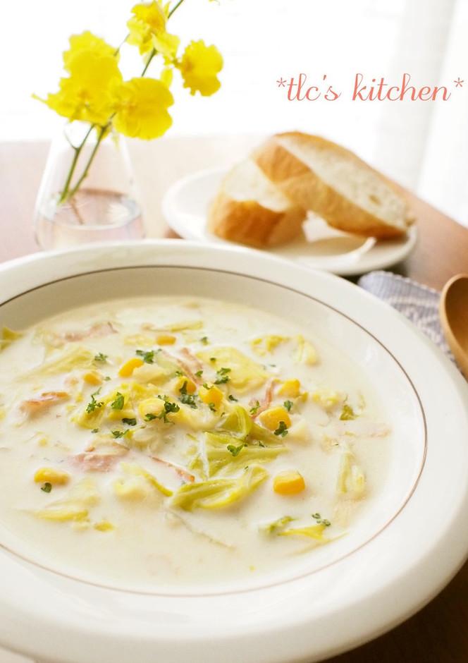 たっぷりキャベツとコーンの豆乳スープ