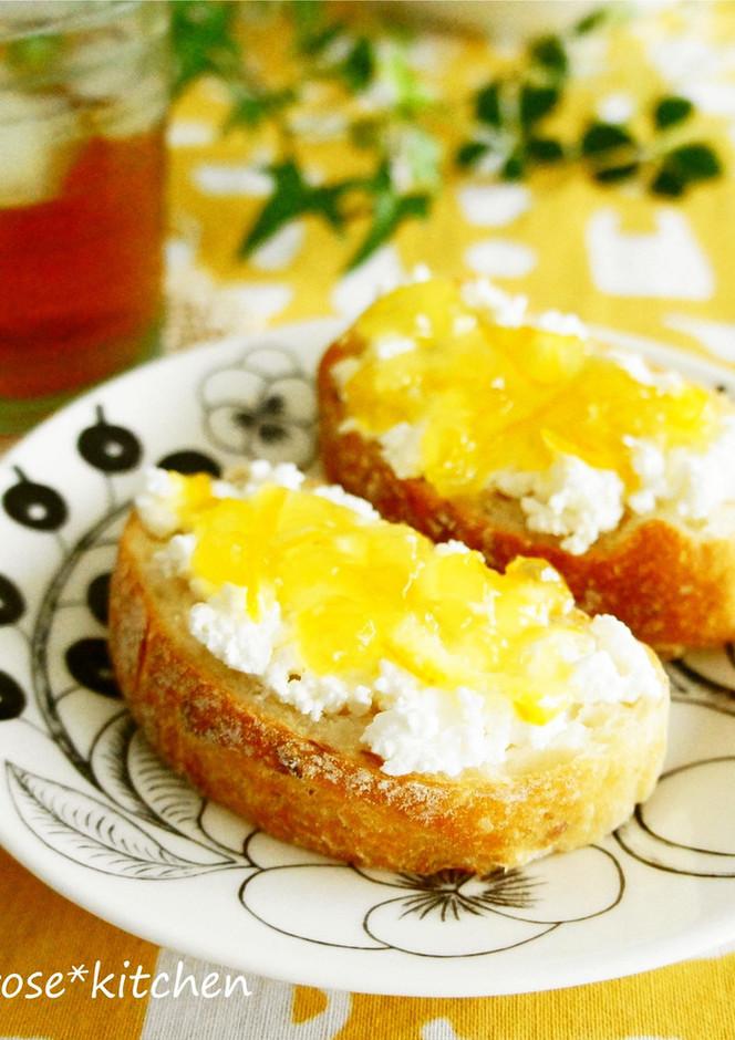 カッテージチーズとマーマレードトースト