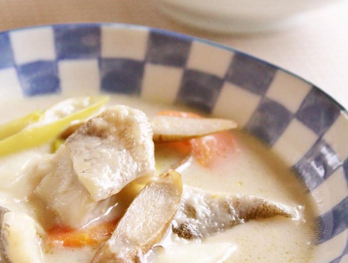 タラと根菜の味噌クリームシチュー