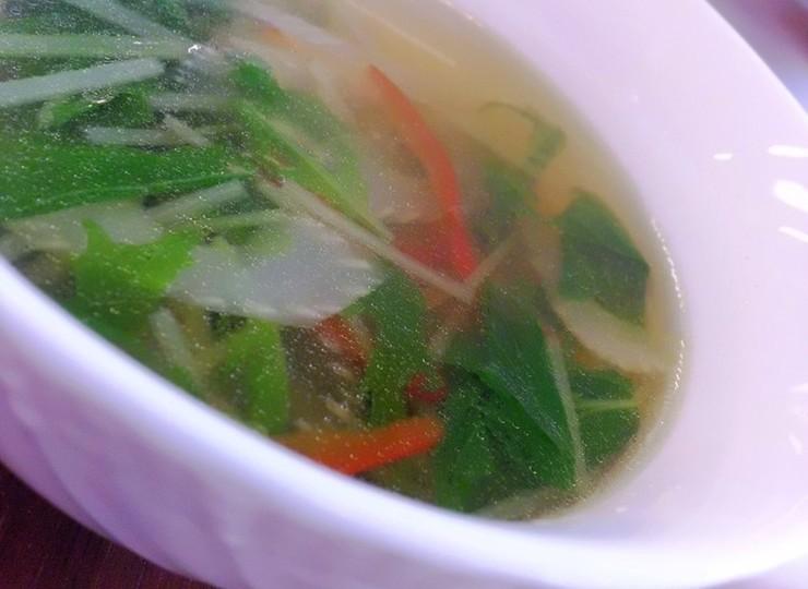 水菜とセロリと赤パプリカのスープ
