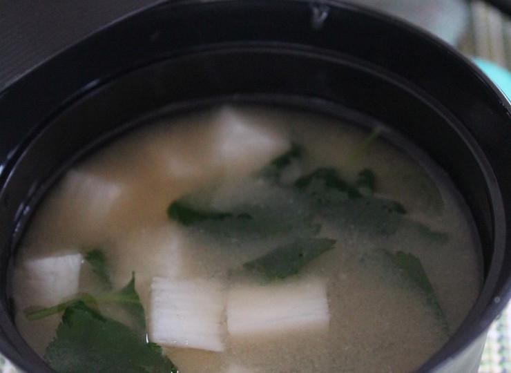 長芋と三つ葉の味噌汁