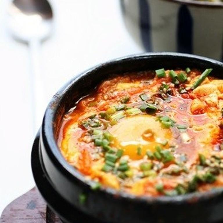 本格韓国家庭料理 スンドゥブチゲ
