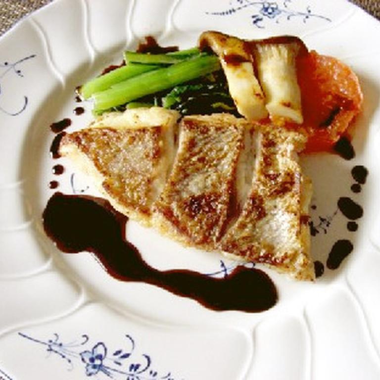 真鯛のポアレ バルサミコソース