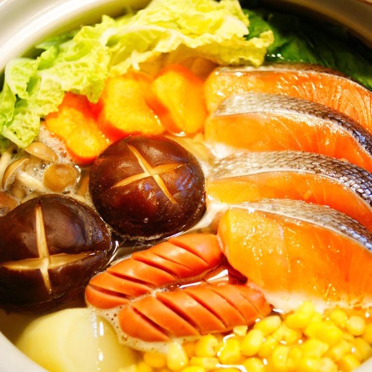 鮭と野菜の塩バター鍋