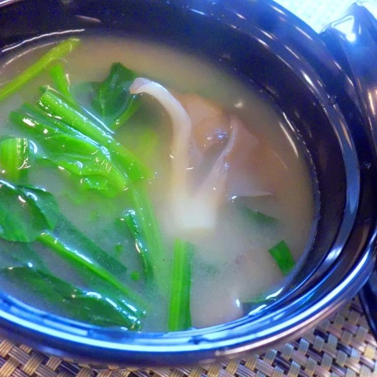 ほうれん草と舞茸の味噌汁
