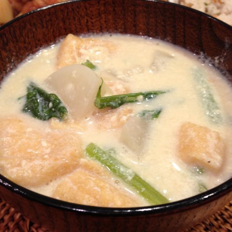 しみじみ美味しい  かぶの豆乳みそスープ