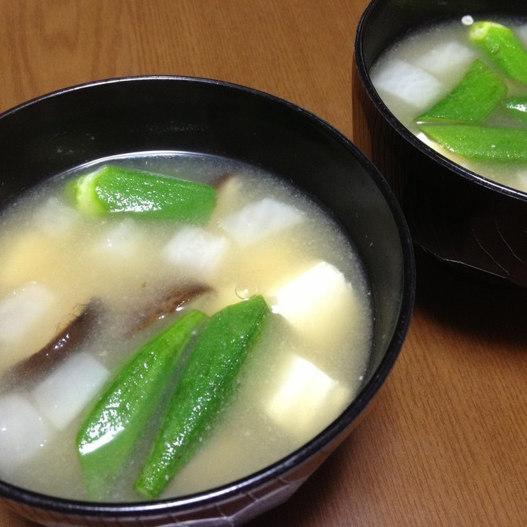 山芋とオクラの味噌汁