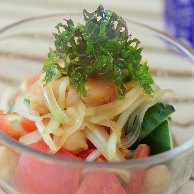 塩分控えめ手作り醤油ドレッシングサラダ