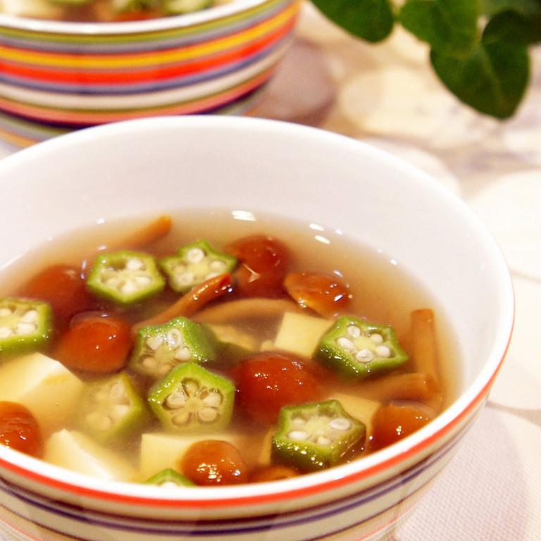 なめことオクラの優しいスープ