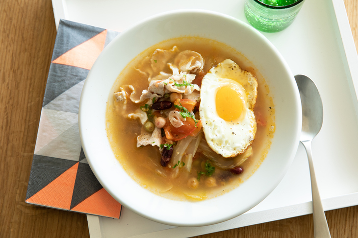 豚肉と豆のトマトスープ